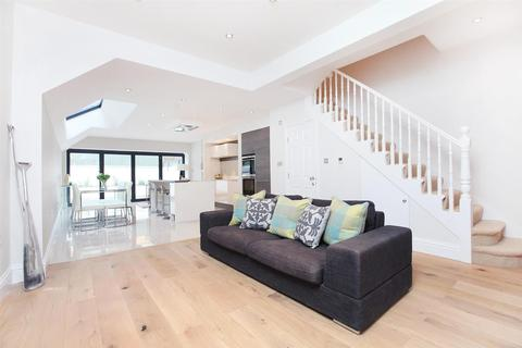 4 bedroom terraced house to rent - Kimbell Gardens, SW6