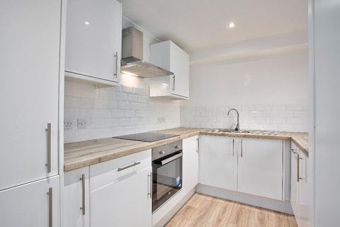 3 bedroom flat for sale - b Roseangle, Dundee, DD1 4LR