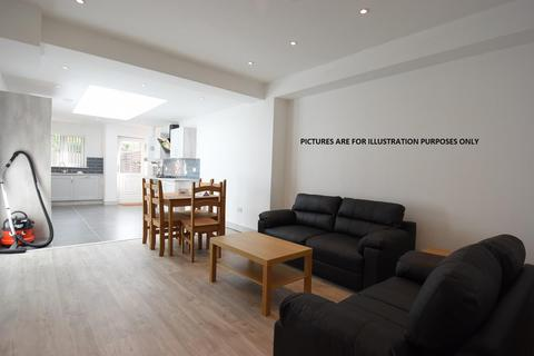 5 bedroom terraced house to rent - Heeley Road, Selly Oak, B29 6DP