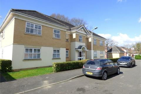 2 bedroom apartment to rent - Hurworth Avenue, Langley, SL3