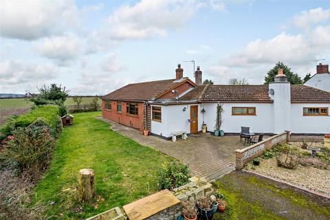 4 bedroom equestrian property for sale - Ruddingwood Bungalow, Marnham Road, Tuxford, Newark, NG22