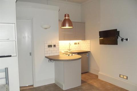 Studio to rent - St. Aubyns, Hove