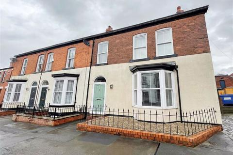 3 bedroom end of terrace house to rent - Portland Grove, Stockport, Cheshire, SK4