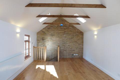 2 bedroom mews to rent - Rosebank Road , Hanwell, London, W7