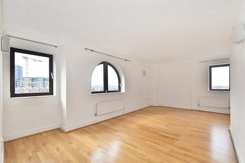 2 bedroom flat to rent - William Morris Way, Fulham, SW6