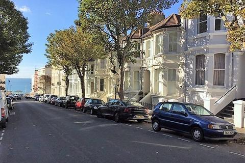 Studio to rent - Eaton Place, Kemp Town, Brighton