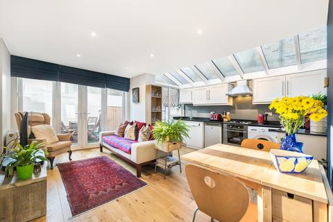2 bedroom flat for sale - Santley Street, SW4