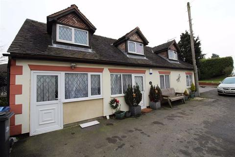 3 bedroom detached bungalow to rent - Bramshall, Uttoxeter