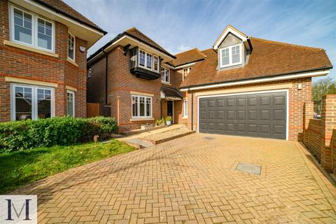 5 bedroom detached house for sale - Northumberland Walk, Richings Way, Iver SL0