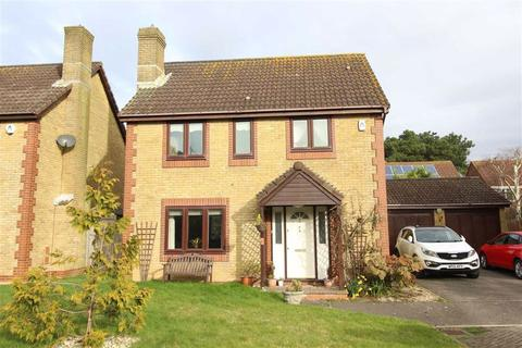 3 bedroom detached house for sale - Barton On Sea, Hampshire