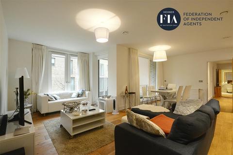 2 bedroom apartment for sale - Narrowboat Avenue, Brentford