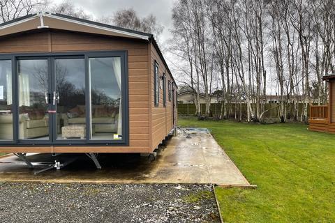 2 bedroom lodge for sale - Chester Road Oakmere