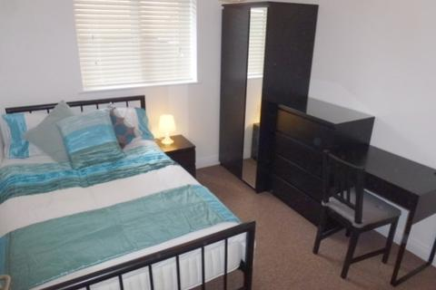 1 bedroom in a house share to rent - Tolstoi Road, Poole, BH14 0QJ