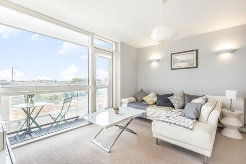 2 bedroom apartment to rent - Mapleton Road Southfields SW18