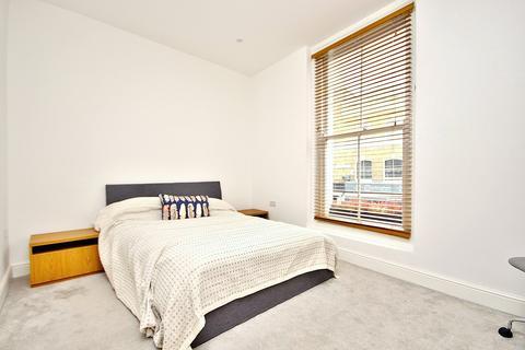 1 bedroom apartment to rent - Broadway Market, London, E8