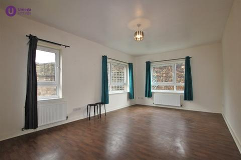 2 bedroom flat to rent - New Mart Place, Chesser, Edinburgh, EH14 1TX