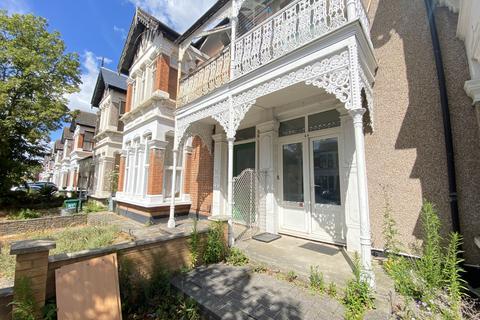 1 bedroom flat to rent - Clarendon Gardens, Ilford, IG1