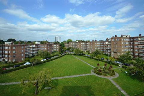 2 bedroom flat to rent - Chiswick Village, London