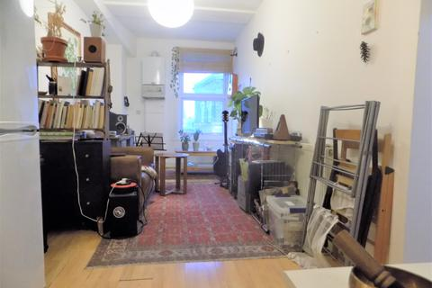 1 bedroom apartment to rent - Stoke Newington High Street, London N16
