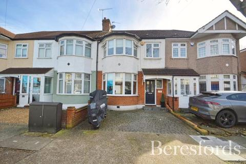 3 bedroom terraced house for sale - Parkside Avenue, Romford, Essex, RM1