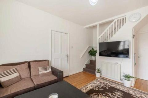 2 bedroom house to rent - Mellitus Street London W12