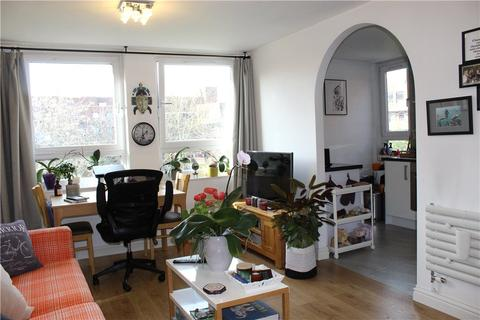 1 bedroom apartment to rent - St Pauls Court, More Close, London, W14