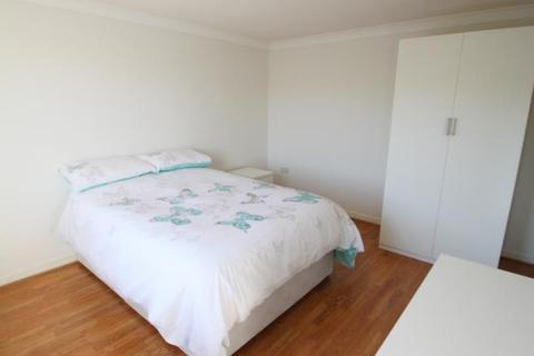 1 bedroom house share to rent - Hartford Court, Heaton, Newcastle Upon Tyne, Tyne & Wear, NE6 5BG