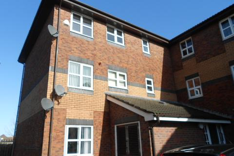 2 bedroom flat to rent - Dovetree Court, Blackpool, FY4 4NA