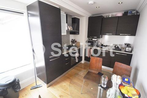 3 bedroom penthouse to rent - Holloway Road, London, N7
