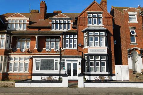 Guest house for sale - South Parade, Skegness, Lincs, PE25 3HP