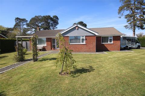 3 bedroom bungalow for sale - Ballard Close, New Milton, BH25