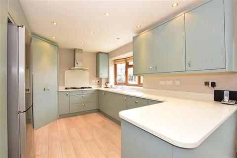 4 bedroom link detached house for sale - Woolhampton Way, Chigwell, Essex