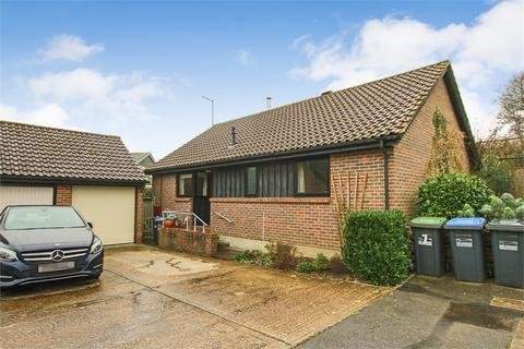 2 bedroom detached bungalow for sale - Clarence Drive, East Grinstead, West Sussex