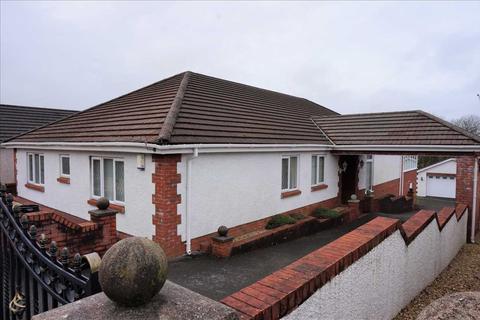 5 bedroom detached bungalow for sale - Clos Y Dderwen, CROSS HANDS, Llanelli