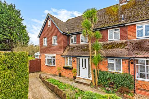 5 bedroom semi-detached house for sale - Vicarage Close, Halling