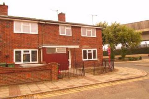 4 bedroom end of terrace house to rent - Camel Road, London, E16