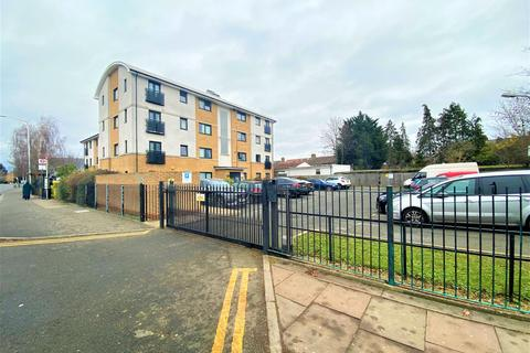 2 bedroom apartment for sale - Meridian Court, 226 Yeading Lane, Hayes, Middlesex, UB4 9AU