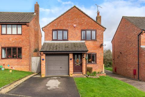 3 bedroom detached house for sale - Niebull Close, Malmesbury