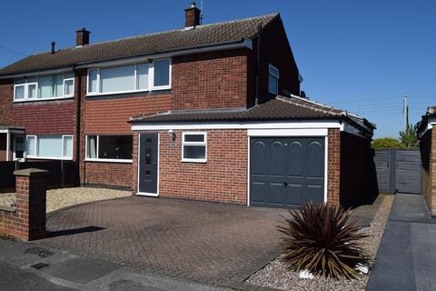 3 bedroom semi-detached house for sale - Balderton, Goldsmith Road