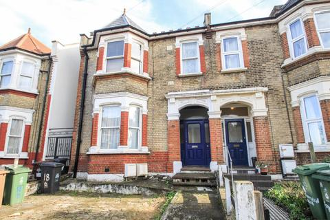 3 bedroom house to rent - Poppleton Road, Leytonstone, London, E11 1LR