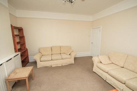 3 bedroom flat to rent - Poppleton Road, Leytonstone, London, E11 1LR