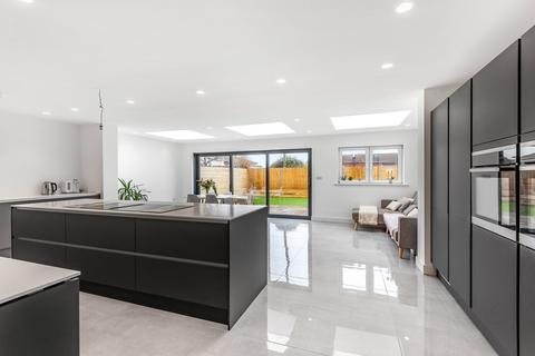 4 bedroom detached house for sale - Lancing