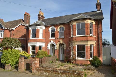 4 bedroom semi-detached house for sale - Constable Road, Ipswich IP4 2XA