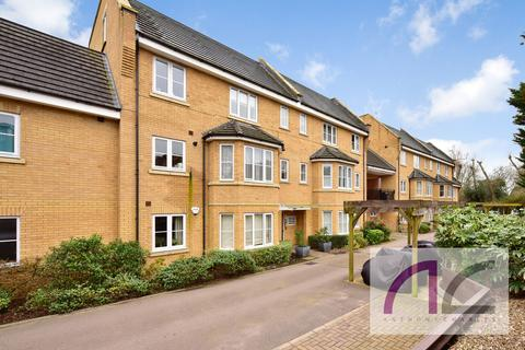 2 bedroom penthouse for sale - Bayswater Close, Palmers Green, N13 5BF