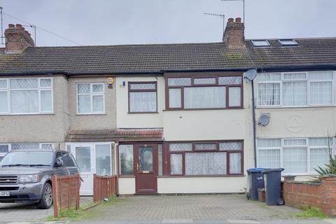 3 bedroom apartment to rent - Winnington Road, Enfield, EN3 5RJ