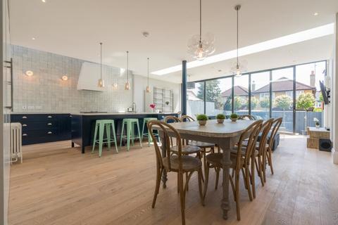 6 bedroom semi-detached house to rent - Goldsmith Avenue, Acton, London