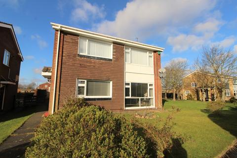 2 bedroom flat to rent - Ancrum Way, Whickham