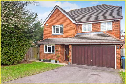 4 bedroom detached house for sale - Russet Drive, Shirley