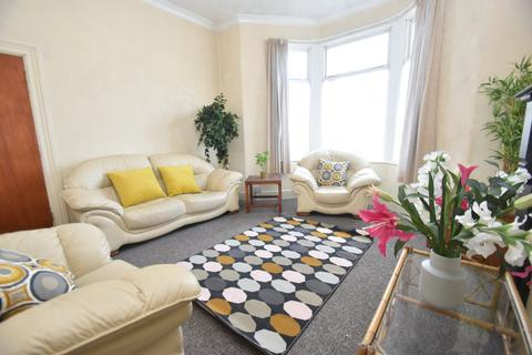 6 bedroom house to rent - Ruthin Gardens, Cathays, Cardiff