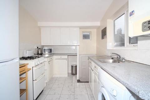 3 bedroom flat to rent - Doncaster Road, Sandyford